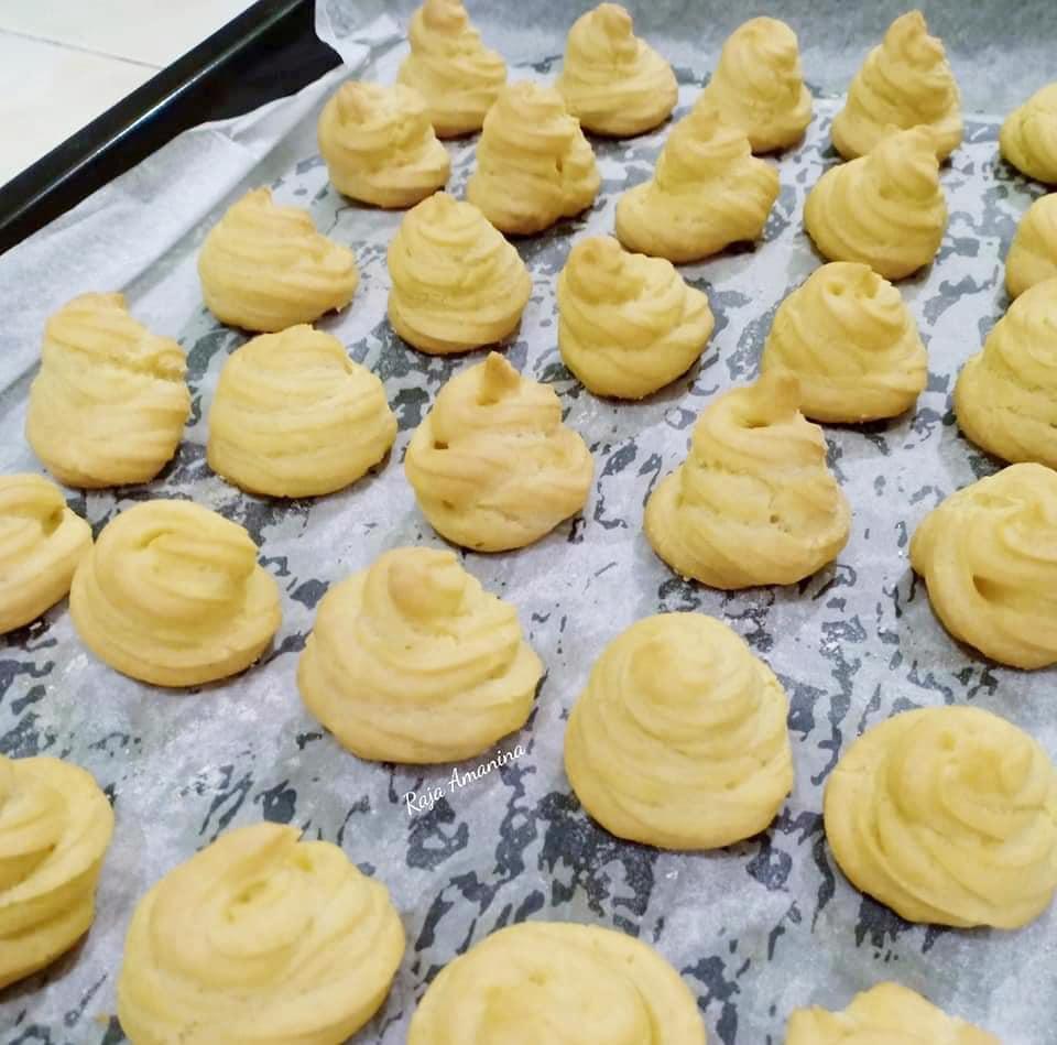 resepi-cream-puff-2 Resepi Cream Puff Mudah dan Sedap Bila Makan Sekali Pasti Nak Lagi